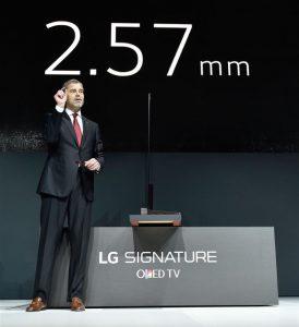 LG_Signature_OLED_Side